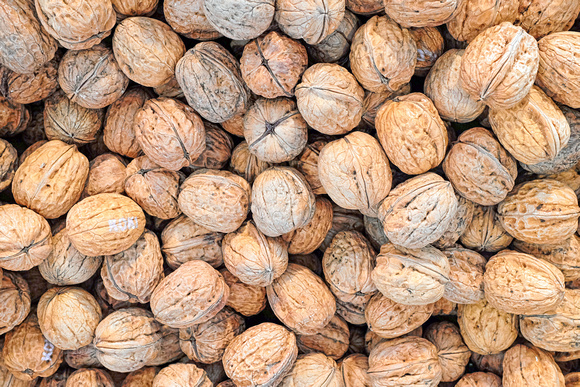 Forville Market, Cannes: Walnuts